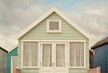 Tiny beach cottage / by Christelle van Rensburg