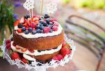 Cake / by Valentina Fast