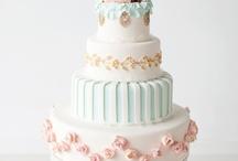 Cake Oh Glorious Cake / by Robin Garn Thomas