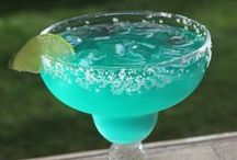 Coquette Drinks / chic drinks, nice cocktails recipes to try out, personal favorites / by Veronica Ortegon