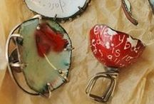 kiln- and torch-fired enameling jewelry / Enameling is a beautiful way to add color to metal. This collection of tutorials and how-tos will introduce torch-fired and kiln-fired enameling jewelry and enameling supplies to you. / by Jewelry Making Daily
