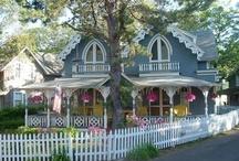 Romantic Dream Cottage / by Ilka Ingleton