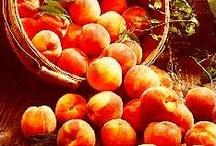 Farmers' Market / fresh, fruit, vegetables, breads, baskets, farmers' markets / by Laurie Ann