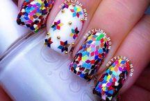 nails / by Amanda Kopiec