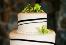 Cakes / by Wedding Planner & Guide