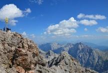 Bergwelt um Garmisch-Partenkirchen, Mittenwald und Krün / Eine Sammlung von wunderbaren Aussichten und Ausblicken / by Rheinischer Hof Garmisch-Partenkirchen