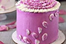 Gorgeous Cakes / Beautiful decorated cakes & cupcakes, decorating tutorials, techniques, etc.! / by Anne-Marie Bailey
