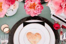 Mesas Decoradas / Decoracion de mesas para casamientos o bodas, arreglos de mesa, mantelería, etiqueta en la mesa de bodas y toda la tendencia! / by CasarCasar - Portal de Novias