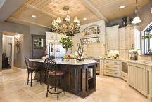 Kitchen / by Brooke Pickering