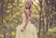 Wedding Dresses / by Rachel Antonovich