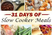 31 Days of Slow Cooker Meals / Join us for our new 31 Days series featuring delicious Slow Cooker meals ~ perfect for these hot summer months! Find me on 5DollarDinners.com / by $5 Dinners {Erin Chase}