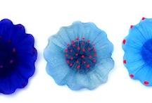 Blauw / Blue / Omdat blauw mooi is. Het is de kleur van de hemel, water en van de eeuwigheid. Daarom verzamelen wij op dit board blauwe kunstwerken.  / by Kunstuitleen Zwolle
