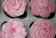 Cupcakes / by Robin R