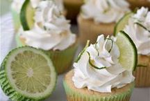 Baking - Cupcakes & Cakes / by Lisa Steinberger