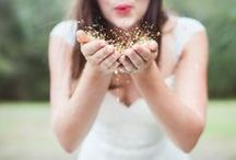 Gold {Wedding} / I ADORE glitter!  Sparkle on <3 / by Better Off Wed