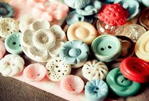 ♥ Vintage buttons ♥ / I love buttons .... / by Lydias Treasures - Lisa