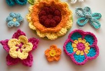 ♥ Crochet Flower Patterns ♥ / Many tutorials and patterns for making flowers and leaves / by Lydias Treasures - Lisa