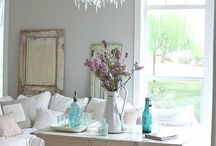 Decorating / by Shelly Hesch