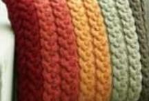 Knitting / by Dawn Bogema