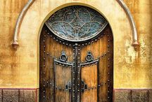 Doors, Entryways & Passages / Make an Entrance / by Robin Romans
