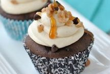 Cupcakes/Cakes/Cake Pops / by Kayla Strauss