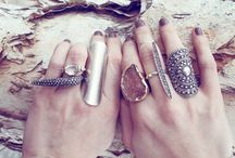 { Jewelry Box } / by Ahlam Abed