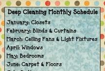 Organizing / by Chrissy Robbins Gavin