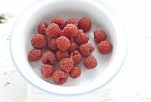 Fresh fruits / Frutas / by Gisela Campana Pinheiro