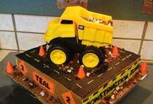 Caterpillar Heavy Equipment CAKES / by Carter Machinery