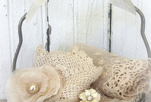 Crochet Decorating / by Laura Marec