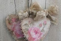a) Prettythings / Pearly, lacey, romantic, victorian, vintage prettiness / by Tracy Dyer