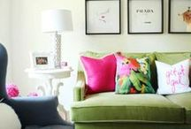 apt / apartment decor, studio decor, apartment diy, wall decor, city living, small spaces, tiny apartment, studio apartment, my apartment, my first apartment / by Micaela Cree Bonner