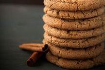 Food - Cookies / by Hannah Mueller