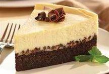 Food - Cheesecake / by Hannah Mueller