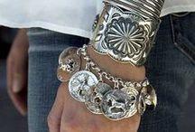 Wrist CHIC / by Merissa Revestir