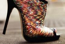 A la Mode: Beautiful Shoes / by Amy Ann Hanfman