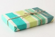 gift wrapping / by Kylee Noelle