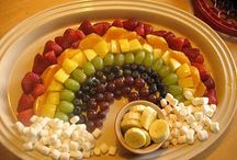 HOLIDAY FOOD & CRAFTS / by Amber Barnett-Hoover