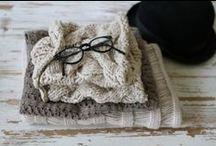 Knitting / by Martina Calero