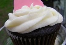 Cupcakes / by Rachel Cummins