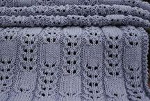 Knitting / by Lorraine Savoie