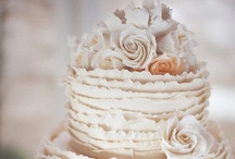 Cakes / by Carla Chagas