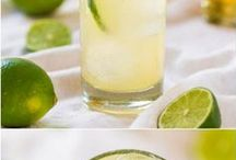 Drinks / by Lizette Williams