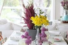 Table Settings & decor / Great Ideas for table settings and table decor!! / by Simone Rodrigues