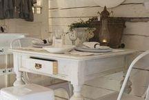 Restauracion muebles antiguos / by Maria Cañedo