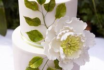 BEAUTIFUL CAKES, SWEETS AND MORE / by Annette Figueroa
