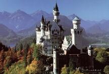 Castells-Esglesies diferents estils..(Castles, churches styles ..) / by Olga Turú