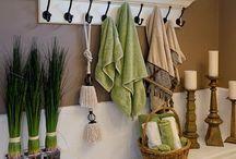 {Interiors} Bathroom / by Leslie Baird