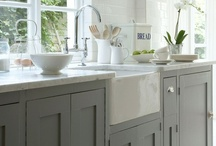 Kitchens / by Laura Pole-Tree