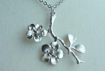 Necklaces / by Haley Elizabeth